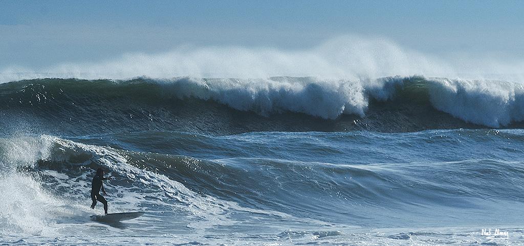 Nombre:  Surfer.jpg Visitas: 43 Tamaño: 365.9 KB