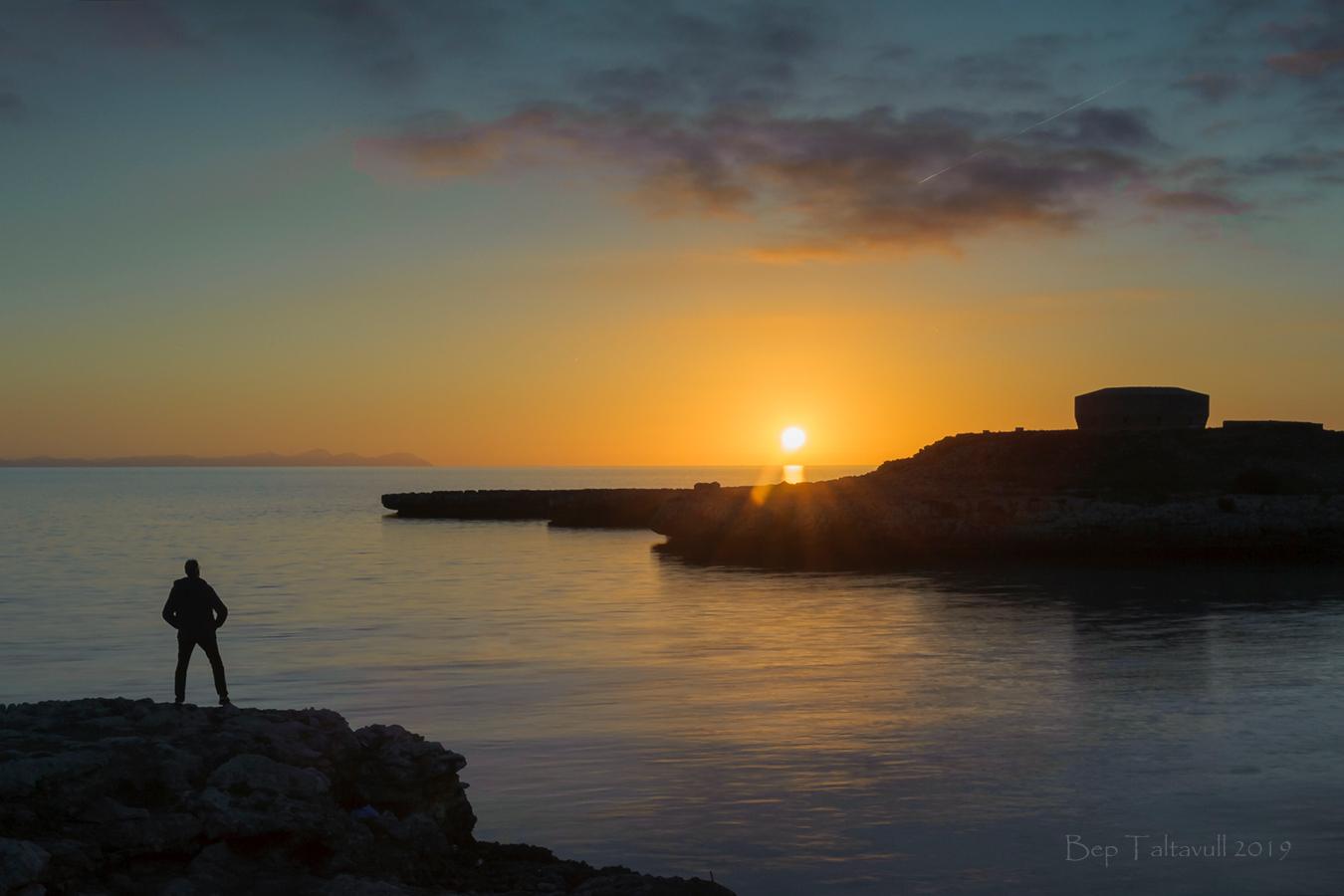 Nombre:  Watching the sunset 900.jpg Visitas: 47 Tamaño: 548.9 KB